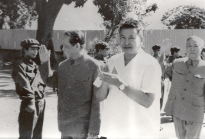 Pol Pot sammen med vietnamesiske Le Duan