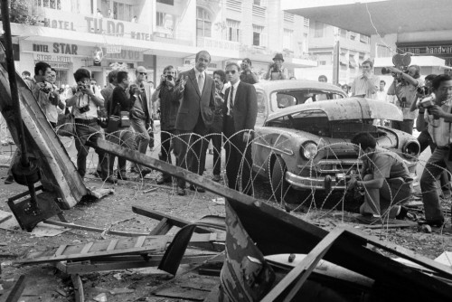 1971-mcgovern-views-the-wreckage-of-a-bombed-nightclub-in-saigon-nick-ut-ap