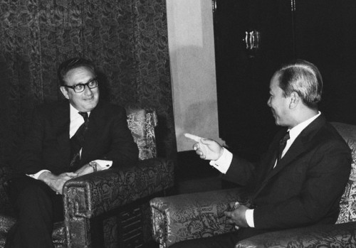 Henry Kissinger and Nguyen Van Thieu