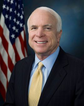 800px-John_McCain_official_portrait_2009